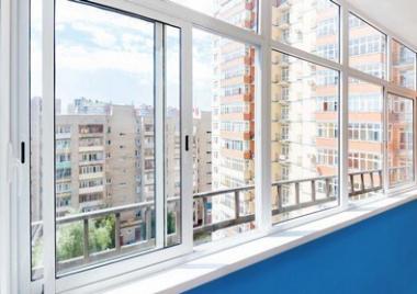 Самые частые вопросы специалистам об остеклении балкона.